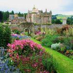 A la Française, à l'Anglaise, vive les jardins